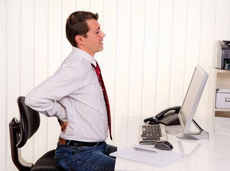những người làm việc văn phòng có nguy cơ mắc trĩ cao